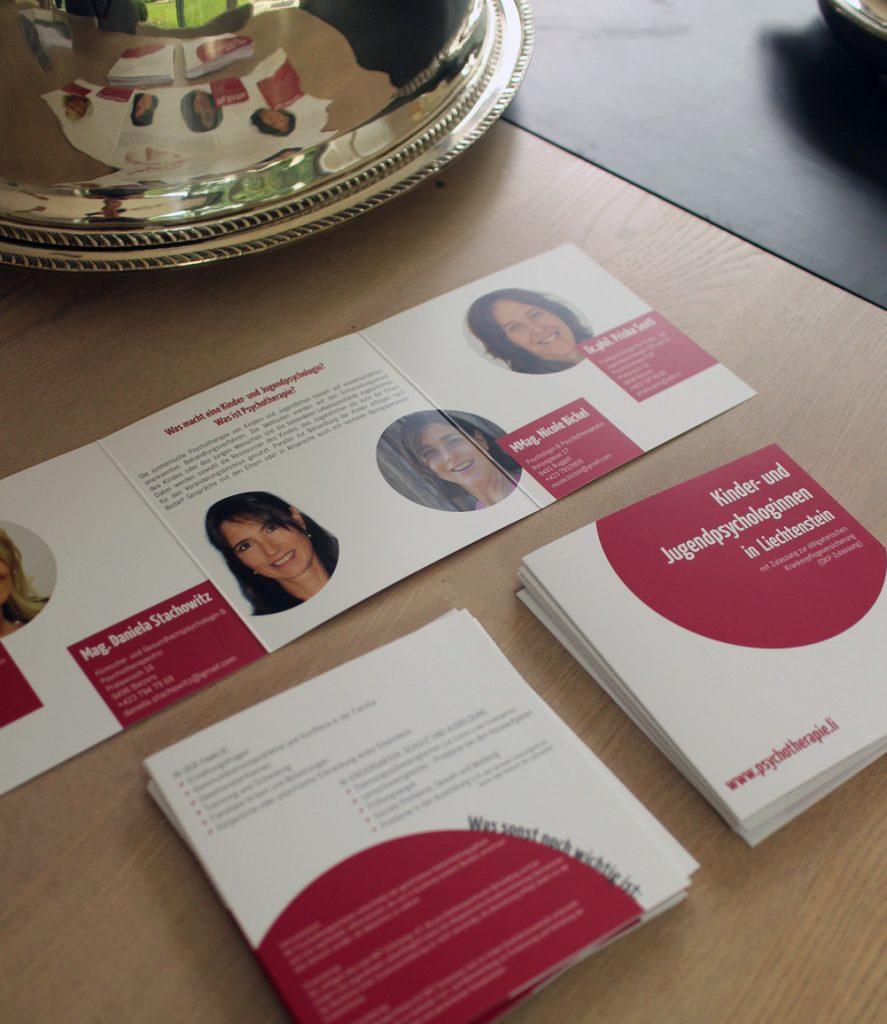 eine gemeinsame Werbebroschüre für Psychologinnen