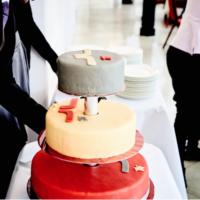 Hochzeitslogo auf Hochzeitstorte